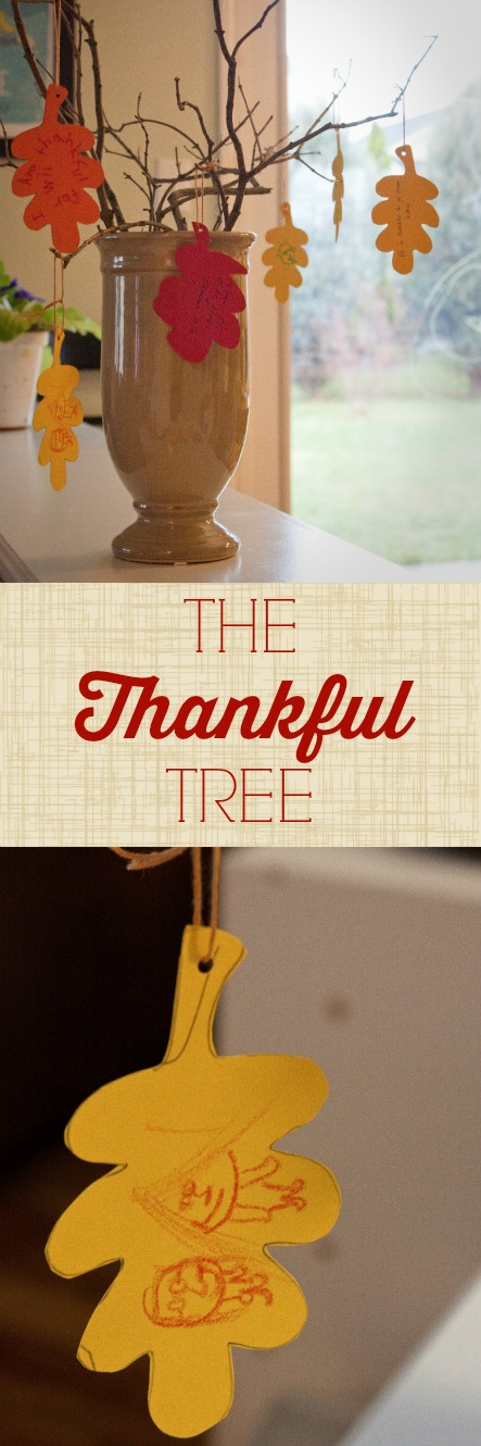 Thankful Tree: an easy DIY Thanksgiving craft for kids. As fall decor or a Thanksgiving table centerpiece it will become a family treasure.